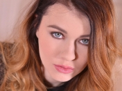 Los bonitos pies de Misha Cross