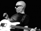 Tablaturas fáciles de Joe Satriani