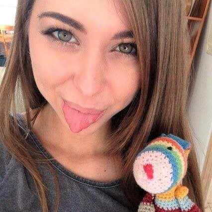 "Enamorate de ""Riley Reid""  sonrisa y cara angelical..."