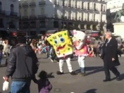 Loca pelea: Bob Esponja vs Hello Kitty