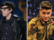 Justin Bieber vs el batería de The Black Keys