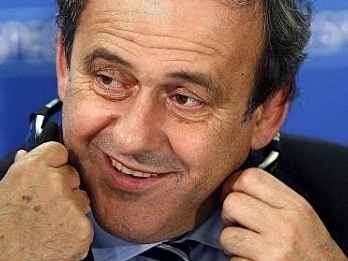 Platini: La FIFA quiso complacer a CR7 published in Deportes